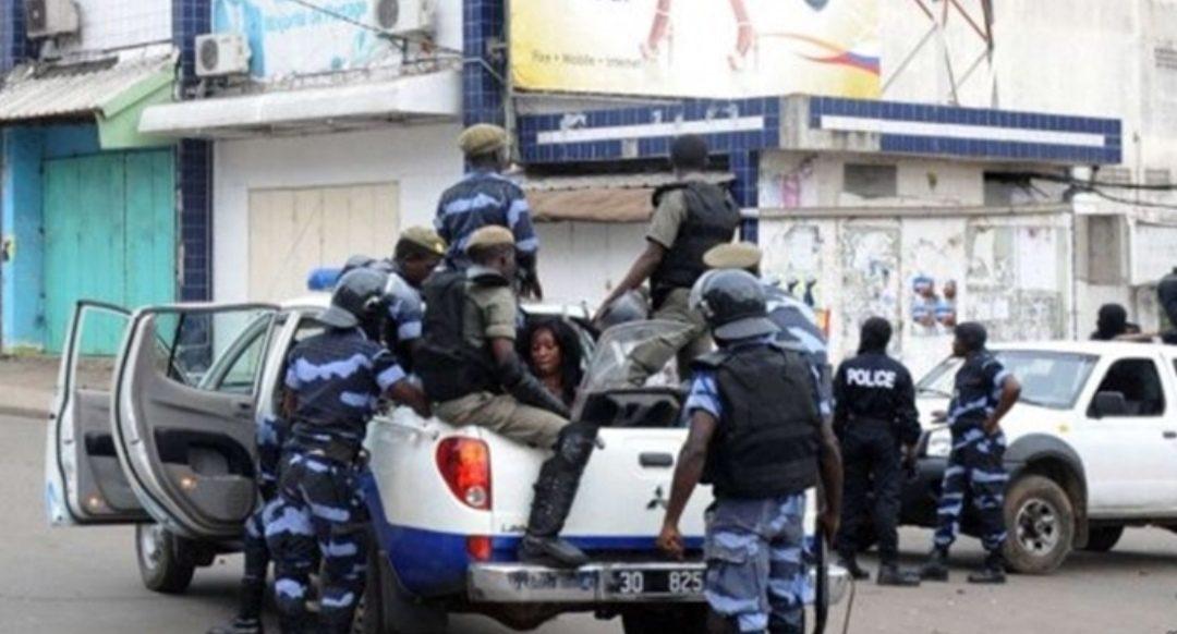 Le Gabon, un État policier