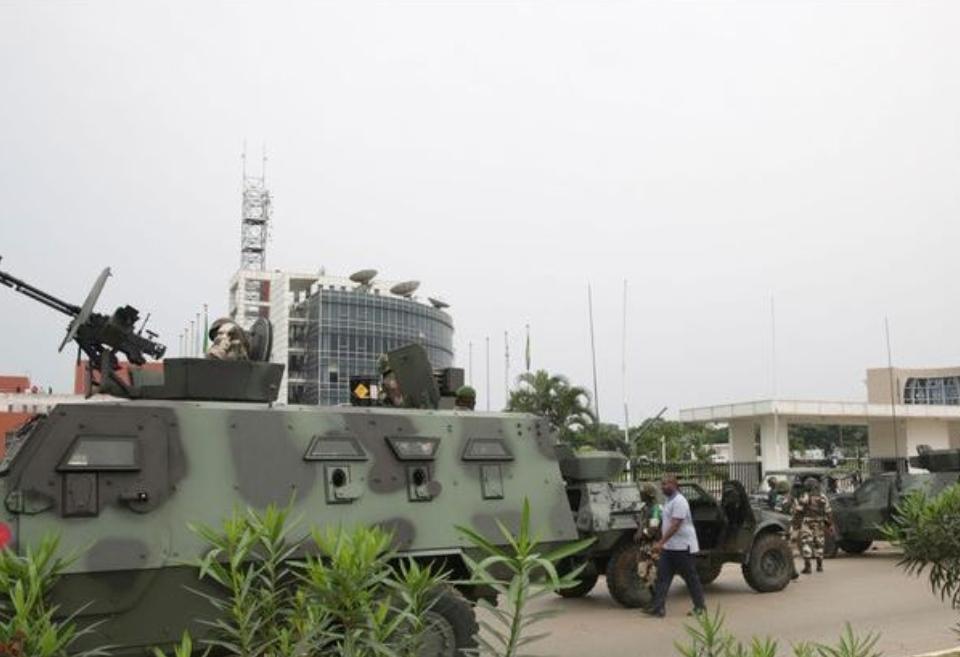 Gabon: deux putschistes tués lors de l'assaut à Gabon Télévision