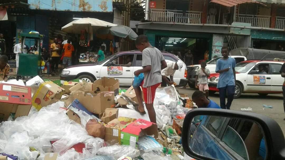 Gabon : poubelles, nouveaux restos du coeur pour les misérables