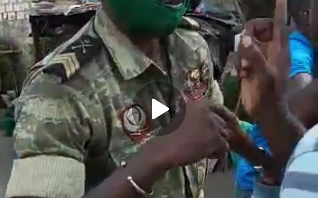 Gabon: un adolescent tabassé à sang à Port-Gentil par des militaires pour non port du masque